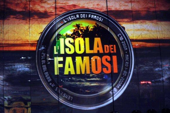 L'Isola dei Famosi 2015: rumors sui probabili concorrenti, da Angela Favolosa Cubista a Fabrizio Bracconeri