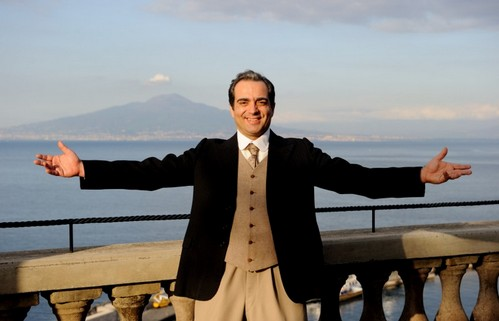 Ascolti Tv, 23 settembre 2012: Caruso, La voce dell'amore a 5,4 mln; Cado dalle nubi a 3,8 mln; NCSI a 2,9 mln