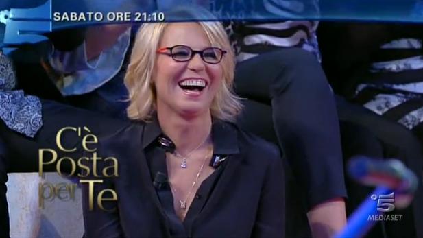 Ascolti Tv, 27 ottobre 2012: C'è Posta per Te vince con 5 mln contro 4,6 mln di Ti Lascio una Canzone