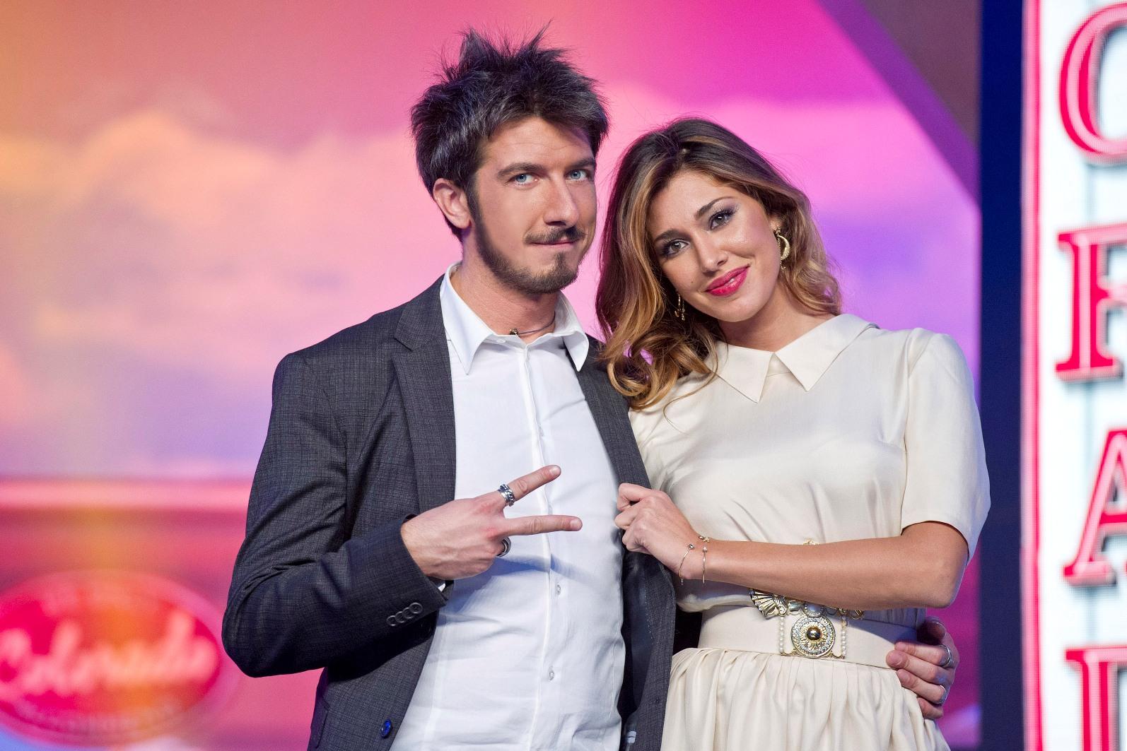 Colorado, stasera su Italia 1 l'ottava puntata con Belen Rodriguez e Paolo Ruffini. Ospiti i Gemelli Diversi