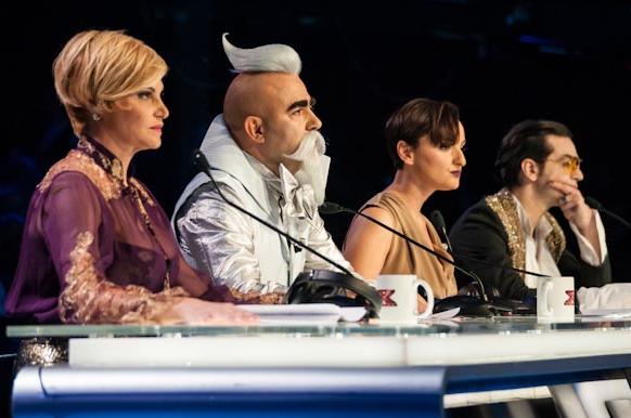 X Factor 6, la seconda puntata: eliminati gli Akmé; si salvano i fratelli Frères Chaos. Alessandro nuovo concorrente
