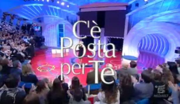 Ascolti Tv, 10 novembre 2012: C'è Posta per Te chiude in bellezza con 5,3 mln contro Ti Lascio una Canzone fermo a 4,5 mln