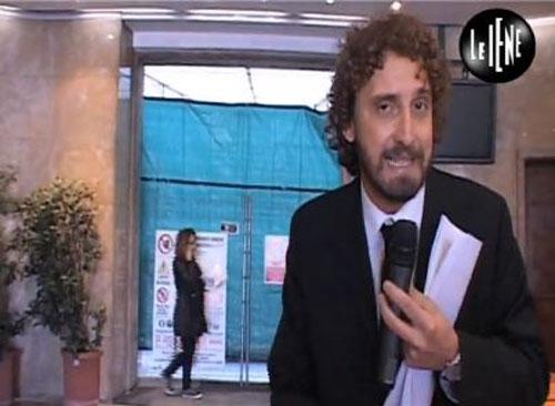 """Elsa Fornero in fuga da Le Iene, abbandona conferenza stampa. Filippo Roma: """"Da parte nostra nessuna aggressività e persecuzione"""""""