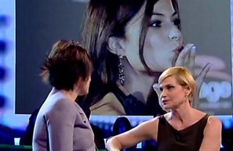 Sara Tommasi emoziona e conquista Simona Ventura: un posto nella sua Web TV?