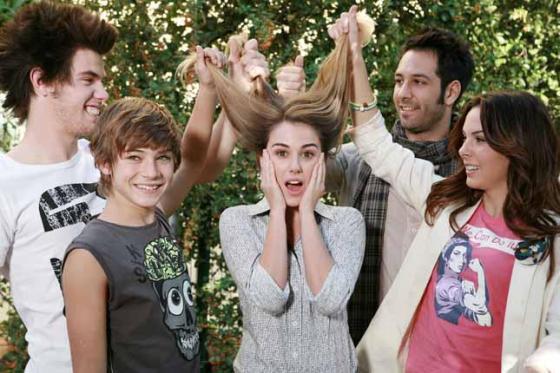 Ascolti Tv, 14 dicembre 2012: I Cesaroni 5 chiudono a 5 mln; Solo per te a 2,1 mln; Alice in Wonderland a 1,9 mln
