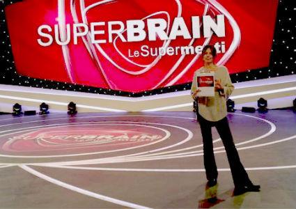 Ascolti Tv, 21 dicembre 2013: Superbrain a 3,9 mln; La banda dei Babbi Natale a 3,3 mln