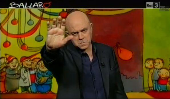 """Ballarò, la copertina satirica di Maurizio Crozza, puntata del 18 dicembre 2012. """"Mediaset Premier"""", la rete di Berlusconi – VIDEO"""