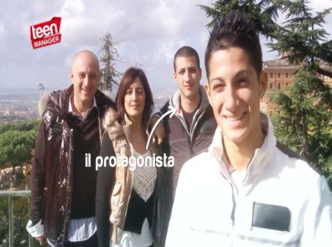 Teen Manager, il sedicenne Tiziano, protagonista della nuova puntata in onda su RaiDue