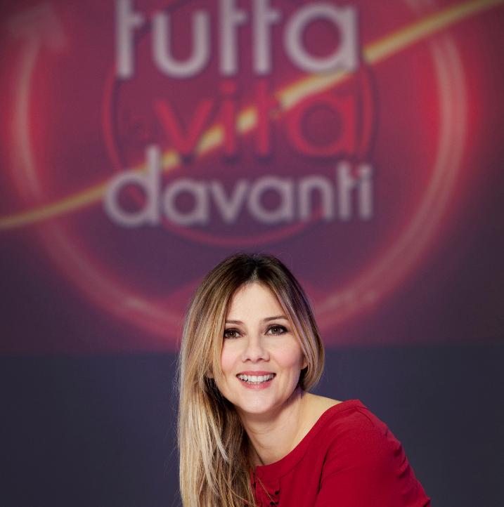 Tutta la vita davanti, da questo pomeriggio su La7 il nuovo talk con Arianna Ciampoli. Ospite Il Cile