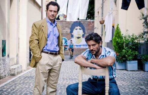 Il clan dei camorristi, da stasera su Canale 5 la fiction con Stefano Accorsi e Giuseppe Zeno – FOTO