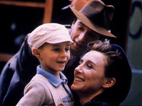 La vita è bella, il capolavoro di Roberto Benigni, stasera su RaiUno nella Giornata della Memoria