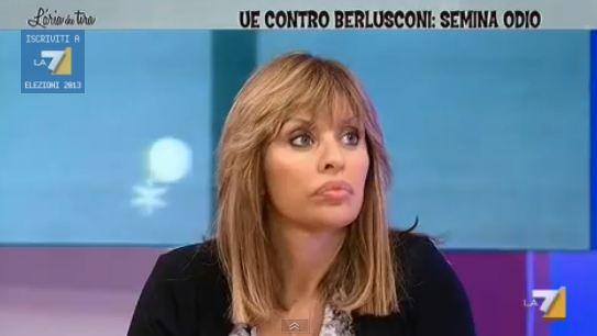 Scontro in tv tra Alessandra Mussolini e Andrea Scanzi su La7: lei lo insulta ed abbandona lo studio – VIDEO