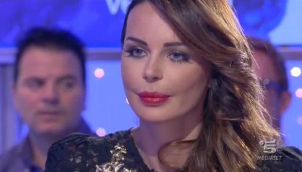 """Nina Moric a Verissimo su Fabrizio Corona: """"Spero che in carcere soffra"""" – FOTO"""