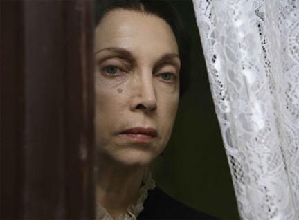 Rebecca, la prima moglie: stasera su RaiUno la fiction in ricordo di Mariangela Melato – FOTO