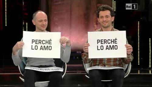 Sanremo 2013, nella prima puntata la coppia di fidanzati gay: si sposeranno a New York – FOTO