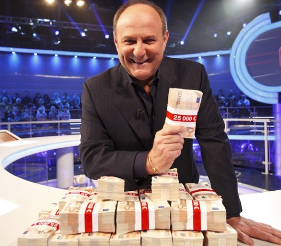 The Money Drop, dall'11 marzo torna su Canale 5 il game show di Gerry Scotti: aperti i casting – VIDEO