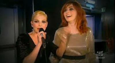 Sanremo 2013: tutte le canzoni di stasera nel corso di Sanremo Story. Attesa per il duetto Annalisa – Emma Marrone