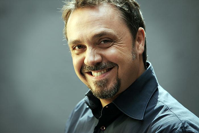 C Factor: Gabriele Cirilli condurrà il nuovo programma di comici emergenti. Carlo Conti in giuria