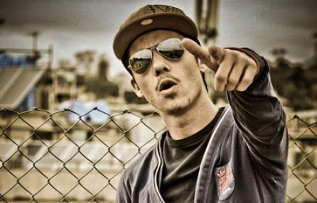"""Amici 12: Moreno Donadoni e i freestyle che hanno """"stregato"""" Maria De Filippi – VIDEO"""