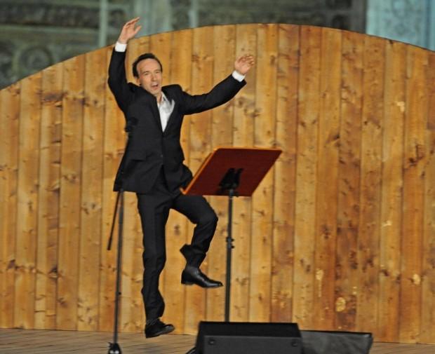 TuttoDante, i Canti XXI e XXII raccontati da Roberto Benigni, stasera su RaiDue
