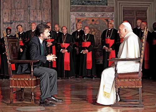 Supercinema, stasera in seconda serata: tutti i Papi nel cinema; intervista-sfogo a Massimo Ghini