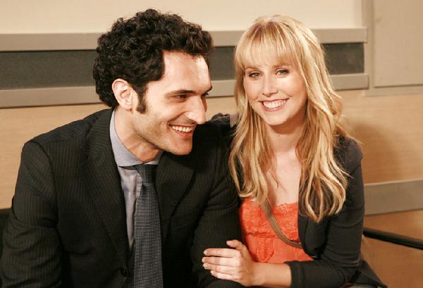 Un Medico in Famiglia 8, anticipazioni puntata 31 marzo 2013: Roberto bacia Maria e Marco le regala l'anello