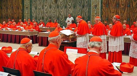Conclave in tv: tutte le dirette e gli speciali di oggi sulle rete Mediaset