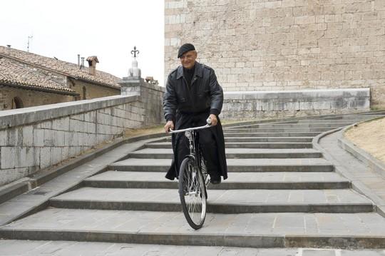 Don Matteo 9, il set si sposta da Gubbio a Spoleto ed è già polemica