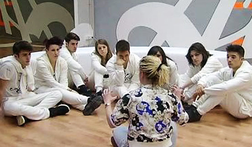 "Amici 12, Emma Marrone carica la Squadra Bianca: ""Stiamo insieme, fatichiamo insieme, crediamoci insieme"""