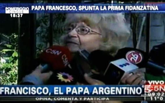 Pomeriggio Cinque: Barbara D'Urso svela la prima fidanzatina di Papa Francesco – FOTO