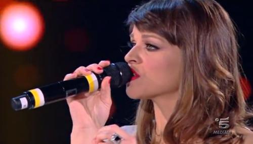 Alessandra Amoroso, indiscrezioni sul nuovo album: un brano con Kekko dei Modà
