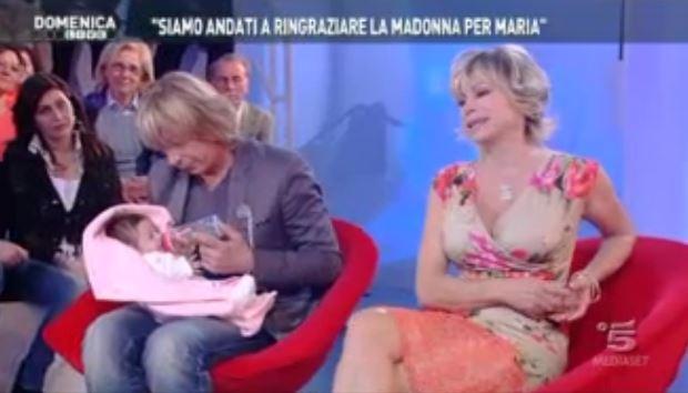 Domenica Live: il viaggio a Medjugorje di Carmen Russo, Enzo Paolo Turchi e Maria – FOTO