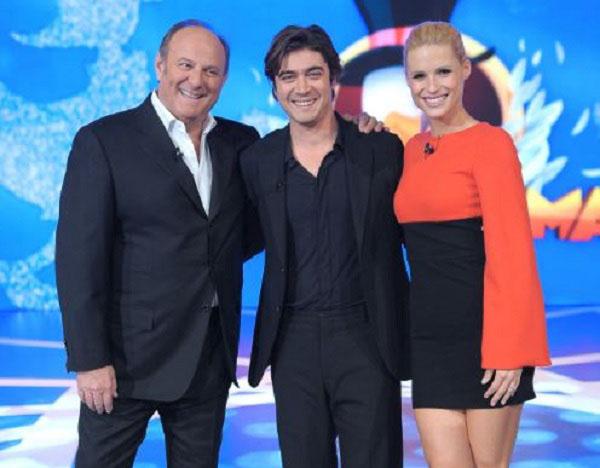 Ascolti Tv, 5 aprile 2013: Paperissima a 6 e 4,3 mln; Red or Black chiude a 3,1 mln; Quarto Grado a 2,3 mln