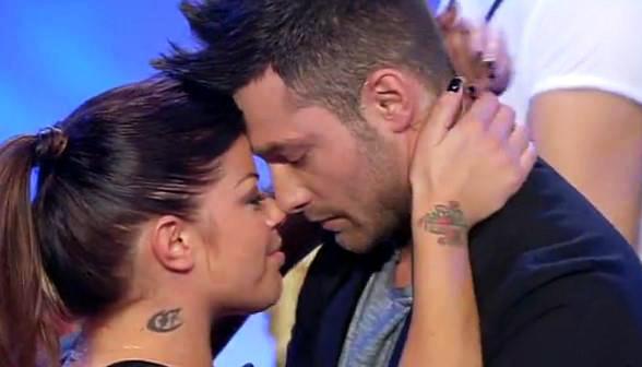 Uomini e Donne anticipazioni: Eugenio sceglie Francesca ma lei dice no, Andrea bacia tutte