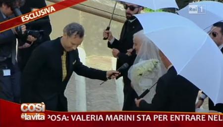 Valeria Marini matrimonio: dopo la bestemmia in diretta tv c'è chi rischia il posto in Rai