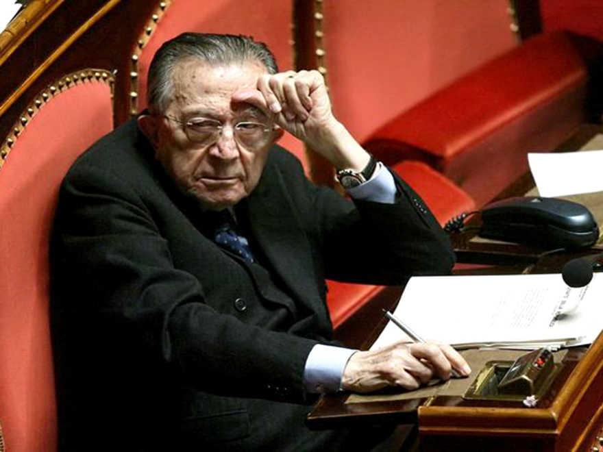 E' morto Giulio Andreotti: in tv il malore in diretta nel 2008 – VIDEO