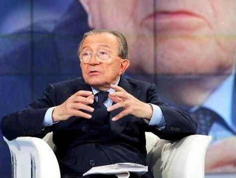 Giulio Andreotti è morto: gli speciali in tv di stasera da Porta a Porta a Piazzapulita – VIDEO