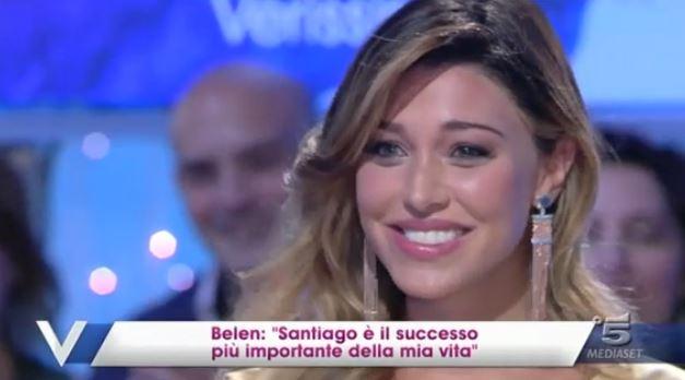 """Belen Rodriguez a Verissimo: """"Santiago assomiglia a Stefano, ma ha l'espressione di Virginia Raffaele"""" – FOTO"""