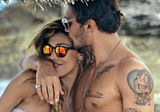 """Belen Rodriguez, prima vacanza con Santiago: """"Voglio sposare Stefano"""" – FOTO"""