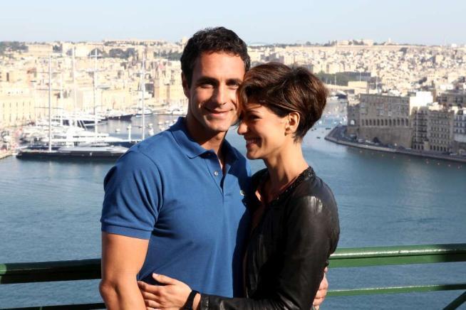 Come un Delfino 2- La serie, stasera su Canale 5 la terza puntata: baci per contratto tra Raoul Bova e Giulia Bevilacqua