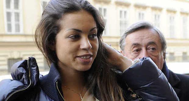 La guerra dei vent'anni: Ruby, ultimo atto: stasera su Canale 5 la ricostruzione del caso e intervista a Berlusconi