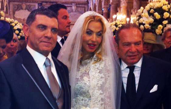 Valeria Marini sposa tra bestemmie, beneficenza ed esclusive vere o presunte