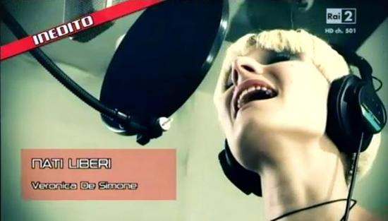"""The Voice of Italy: Veronica De Simone, finalista del Team Carrà con l'inedito """"Nati liberi"""" – TESTO"""