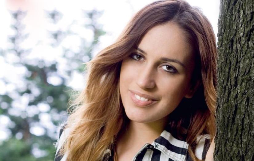 """The Voice of Italy, Elhaida Dani: """"Non ho superato la prima selezione ad Amici, mi piacciono Noemi, Mengoni ed Emma"""""""