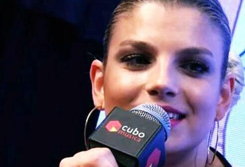 Emma Marrone Live per Cubomusica: si arrabbia al nome di Marco Bocci urlato dai fan