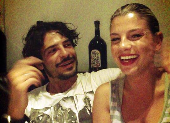 """Emma smentisce la crisi con Marco Bocci: """"Ci stiamo fracassando dalle risate!"""" – FOTO"""