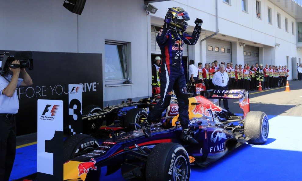 Ascolti Tv, 7 luglio 2013: Formula 1, GP di Germania a 3,2 mln; Una grande famiglia a 2,3 mln; Le inchieste dell'ispettore Zen a 1,8 mln