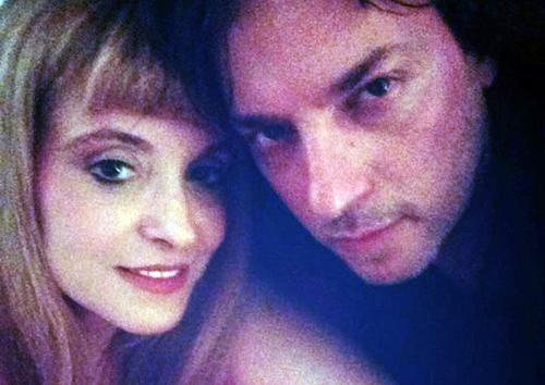 Massimo Di Cataldo shock: picchia la compagna fino a farla abortire e lei mette le foto su Facebook