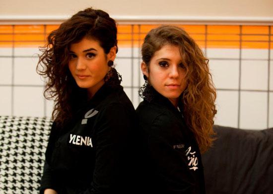 Mara Maionchi al lavoro con Angela Semerano e Ylenia Morganti in vista del loro primo EP