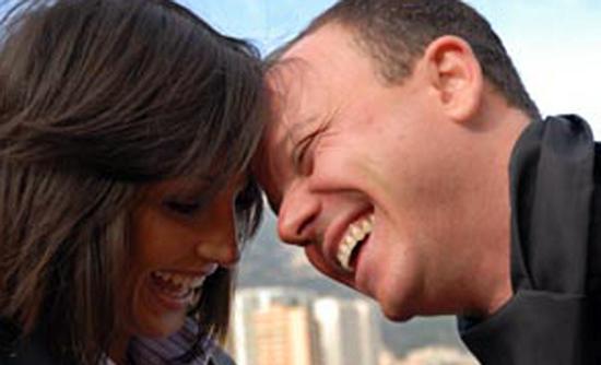 Anna Tatangelo e Gigi D'Alessio, ma quale crisi? Il cantante smentisce la rottura su Facebook